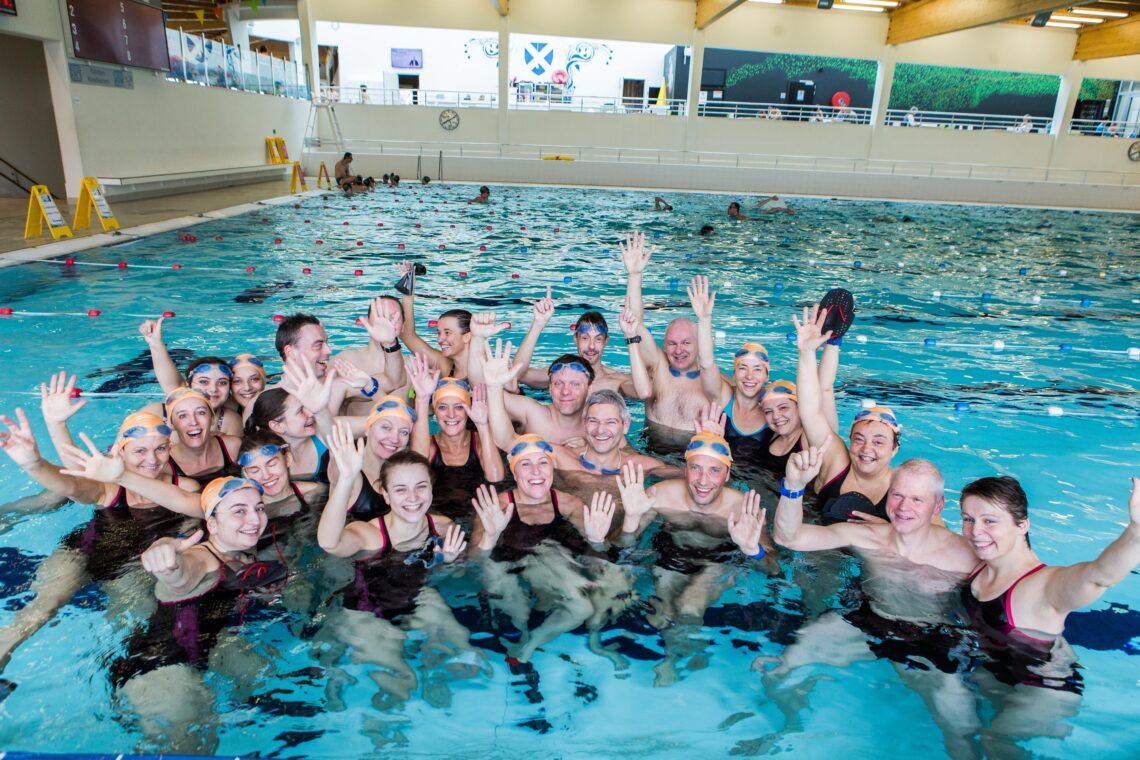 Team van het TriaGO!-project tijdens hun zwemtraining (2016)